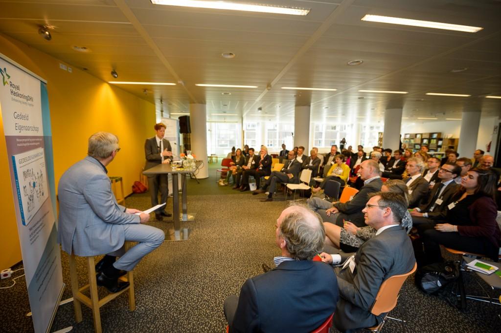 Gastspreker Floor Vermeulen, Gedeputeerde Zuid-Holland, aan het woord (c) Rogier Bos